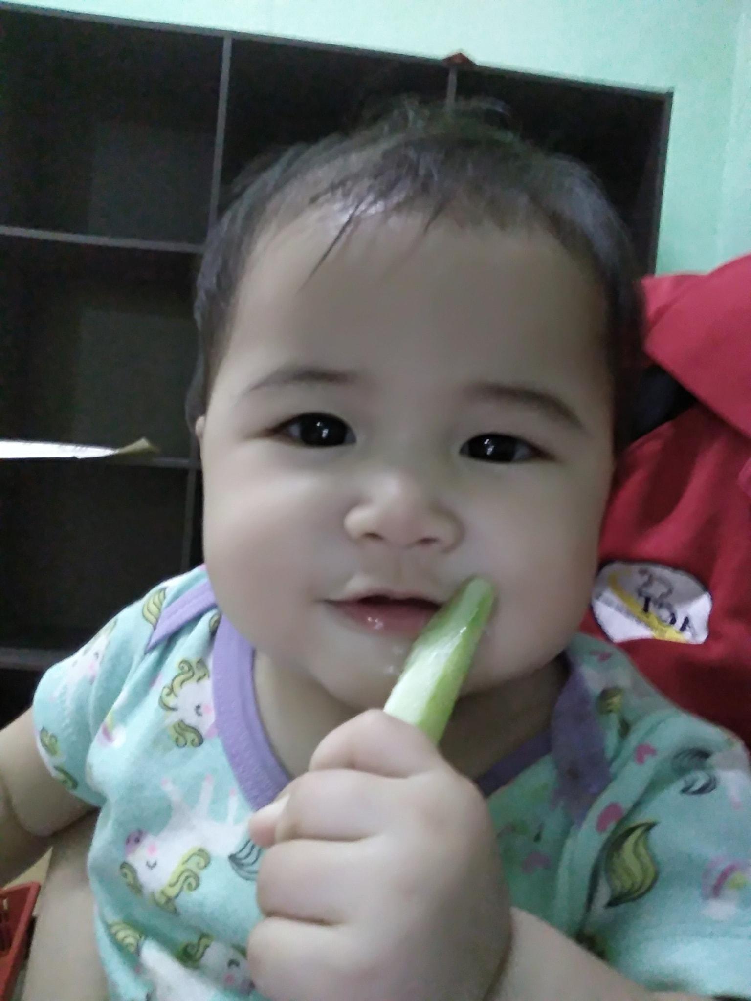 yumna suka makan sayur